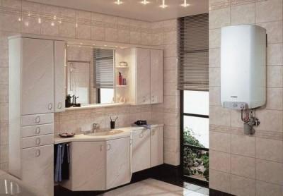 Настенный котел размещен рядом с кухней и ванной