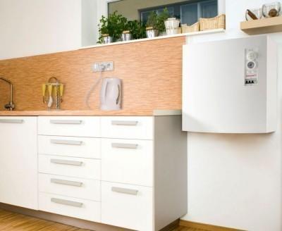 Настенный ТЭНовый котел на кухне