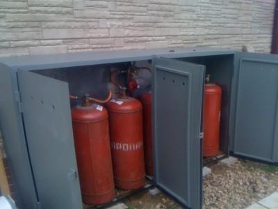 Если к дому не подведен природный газ, котел может работать на сжиженном газе