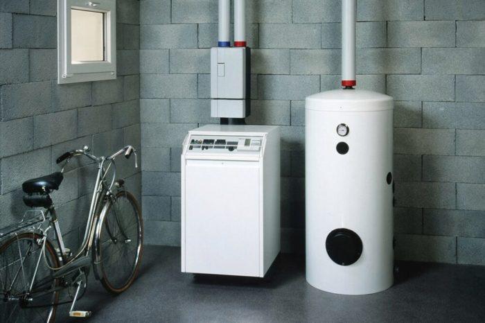 Современный газовый котел в доме