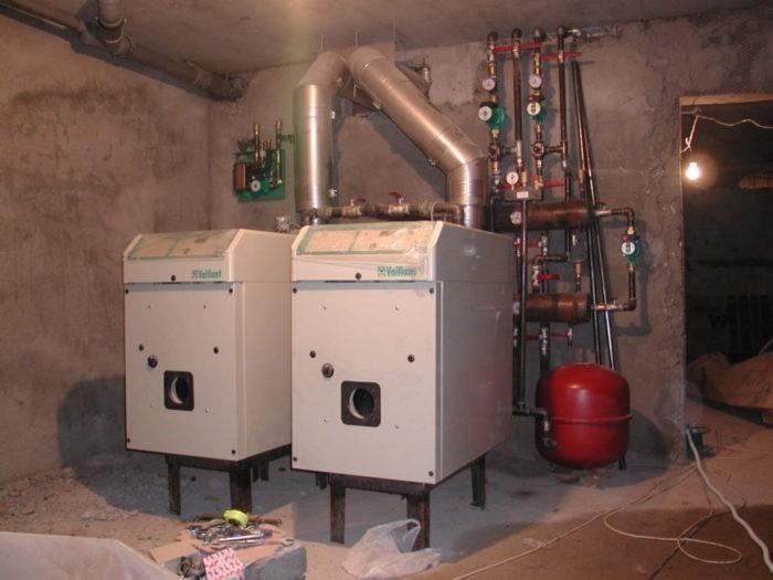 Процесс монтажа отопительного оборудования в доме