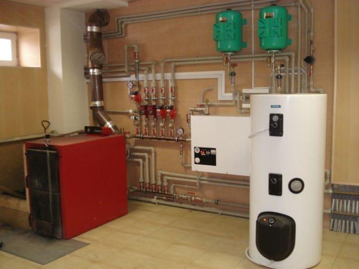 Установленная система отопления дома