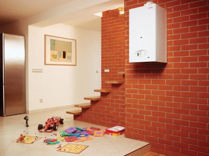 Вариант газового котла отопления в доме